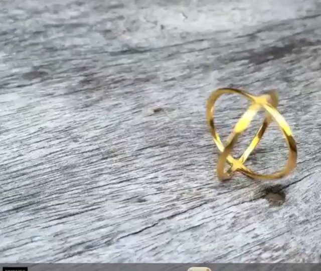 Love this little video shot by @friendsofweho.  So happy to be a part of their gala auction.  #publicshoolrules #charity #auction #xring #14kgold #weho #alexisjewelry