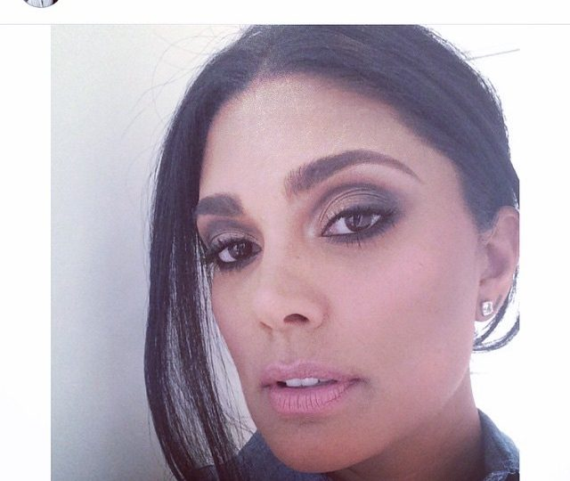 Spotted the stunning #rachelroy in her #blackdiamond stick #earrings  #alexisjewelry