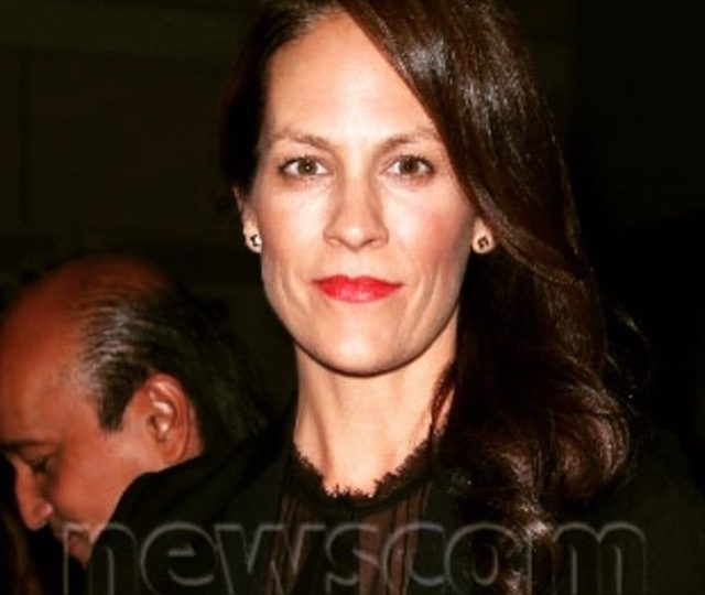 Such a babe @annabeth_gish out wearing her large pyramid stud earrings.  Loving the hair by @keithratz