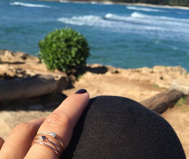 Sunday morning surf check #jewelry #waves #northshore #happy #alexisjewelry
