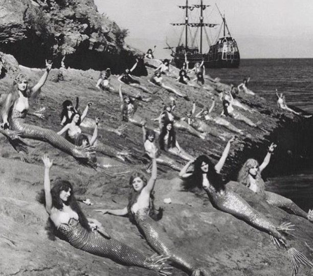 Who doesn't want to be a #Mermaid! Here's to a Great Weekend !