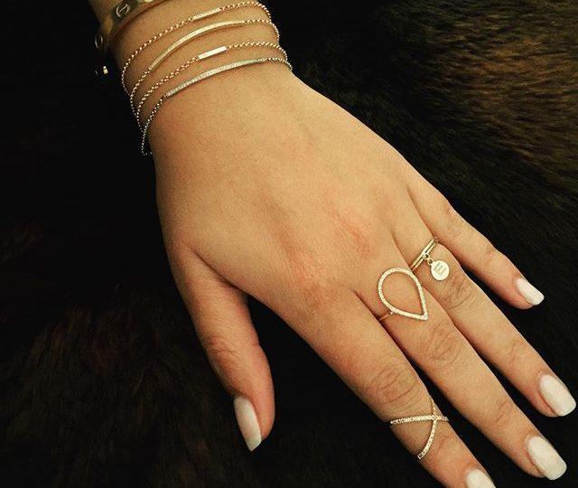 Every girl deserves to lounge around in diamonds on a lazy Sunday morning  #sunday #diamonds #sundayfunday #brunch #sundaymorning #gold #jewelry #delicate #style #fur #instagood #insta #instadaily #rings #bracelets #alexisjewelry #cartier
