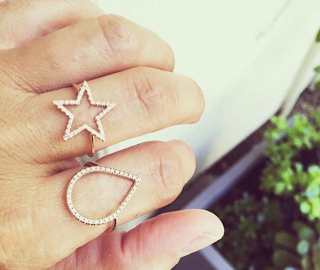 It's a diamonds kind of day  #alexisjewelry #finejewelry #madeinla #losangeles #diamonds #rings #jewelry #jewels #diamondsareagirlsbestfriend #star #dewdrop #rosegold