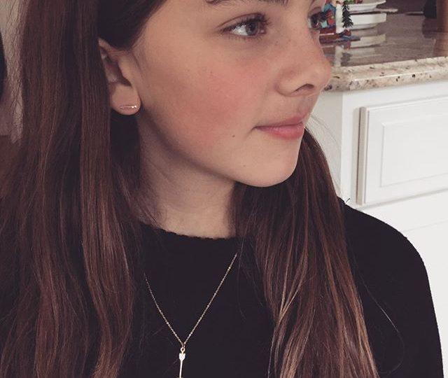 My beautiful niece rocking her new jewels  #arrow #sticks #alexisjewelry #finejewelry #jewels #madeinla
