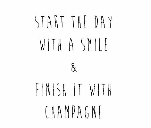 Happy hump day!🍾 #alexisjewelry #finejewelry #humpday #champagne #wednesday #jewelry #style #ootd #madeinla #losangeles