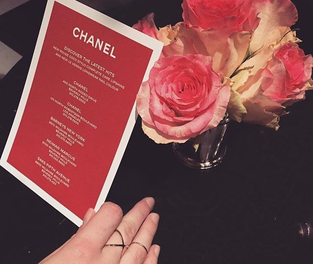 Pre-Oscar prep with @chanelofficial at @barmarmont #cocolovesla #alexisjewelry #madeinla #losangeles #barmarmont #chateaumarmont #chanel