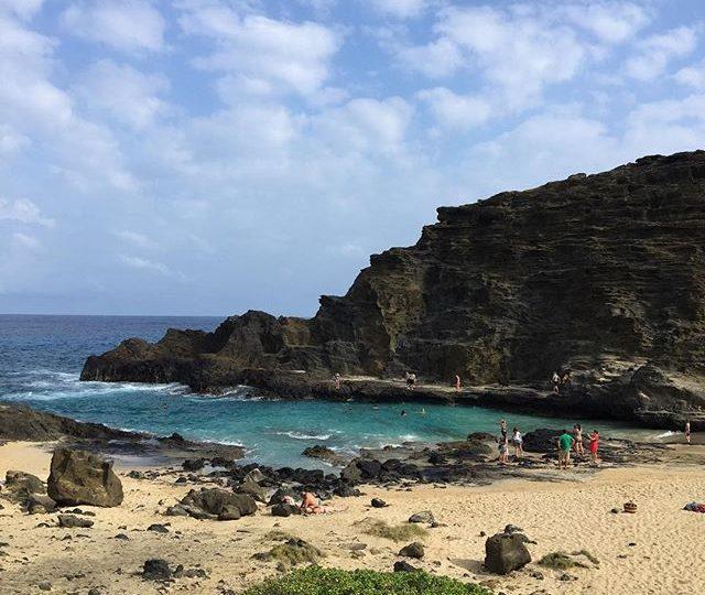 Discovered a mermaid cove. TGIF everyone! #friyay #hawaii #oahu #honolulu #cockroachcove #mermaid #tgif #alexisjewelry