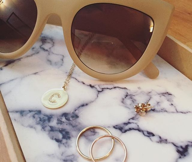 Delicate weekend look | #alexisjewelry #finejewelry #madeinla #delicate #everyday #jewelry #weekend #saturday #losangeles