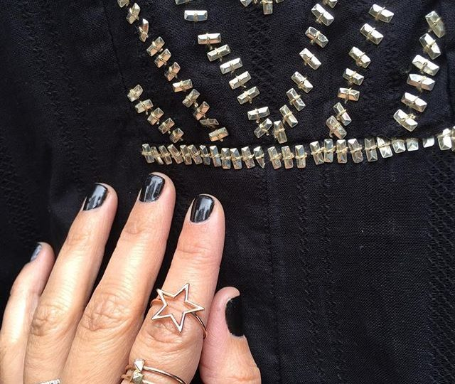 Saturday vibes #weekendstyle #weekendaway #everydayjewelry #finejewelry #madeinla #stroche #alexisjewelry