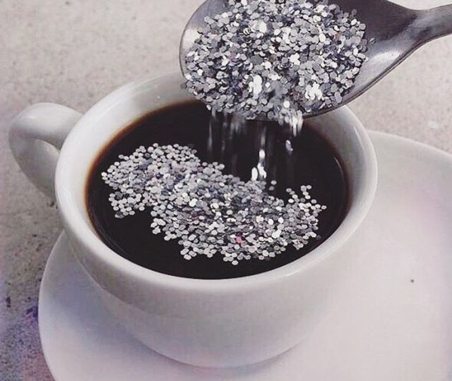 Kickstarting our week off right ️ #caffine #coffee #monday #mondaze #butfirstcoffee #glitter #sparkle #alexisjewelry #finejewelry #jewels #jewelry #madeinla #losangeles REGRAM from @flashtattoos