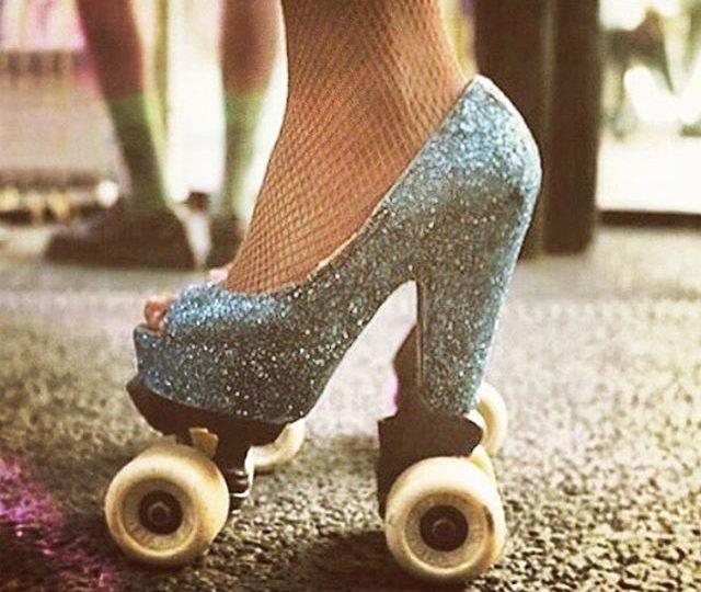 TGIF ️ #friyay #weekend #friday #tgif #glitterqueens #hollywood #losangeles #retro #style #glitter #inspo #roxyroller